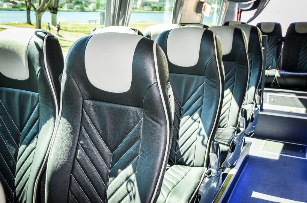 autobuses para grupos de 20 personas